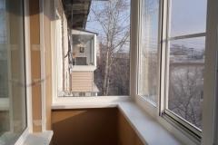 primer-ostekleniya-balkona-2