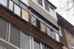 primer-ostekleniya-balkona-4