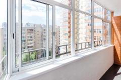 razdvizhnoe-osteklenie-balkonov4