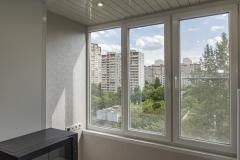 teploe-osteklenie-balkona-primer1